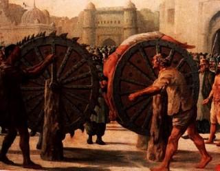 Instrumente medievale de tortură - o colecție infiorătoare va fi expusă la Vatra!