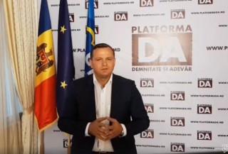 """(video) Andrei Năstase, către polițiști: """"Orice grad ar avea, polițistul este în slujba poporului său, nu în slujba puterii oligarhice"""""""
