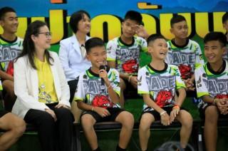 Mărturiile celor 12 băieţi salvaţi din peştera din Thailanda despre experienţa prin care au trecut