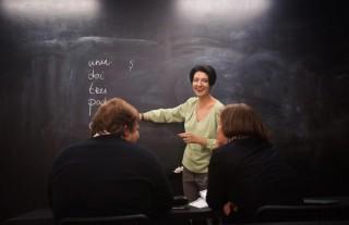 """O femeie născută la Chișinău a deschis o școală de limbă română în Rusia: A numit-o """"Mărțișor"""""""