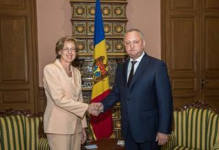 """""""O întrevedere de rămas bun"""": Ambasadorul Federației Germane în Republica Moldova, decorat cu """"Ordinul de Onoare"""""""