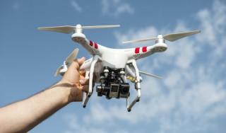 ONG-urile de media cer dezbateri publice pe marginea regulamentului privind utilizarea dronelor