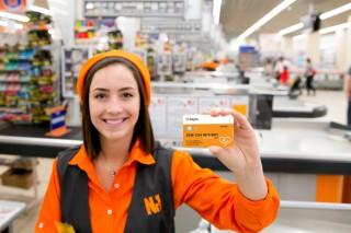 Primii angajaţi din Moldova plătesc utilizând Cardul de masă Up în rețeaua de supermarketuri Nr 1