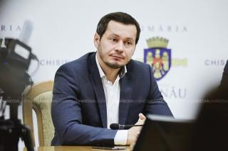 """(stop cadru) Ultima ședință prezidată de Codreanu la Primăria Chișinău: """"Andrei Năstase trebuie să vină la muncă... eu poate mă duc la Parlament sau mă fac director de grădiniță"""""""