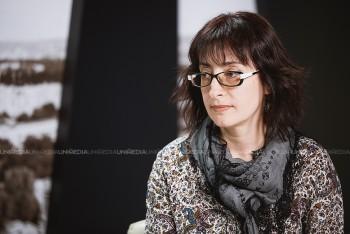 Cornelia Munteanu în studioul UNIMEDIA