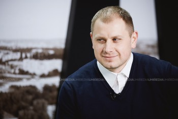 Ștefan Gligor în studioul UNIMEDIA